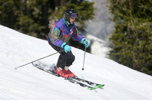 George Jedenoff a stylish skier at 100