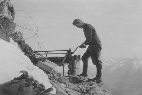 Building the Solvay hut