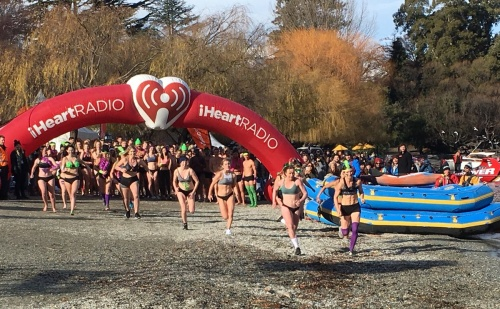 Brrrrr! Freezing waters of Lake Wakitipu for the Undy 500 race (photo: Dave Goosselink)