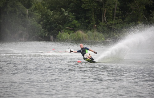 On the waterski slalom course